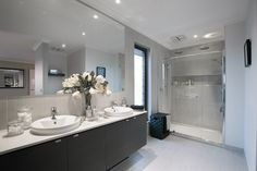 Hoffman Home Design-Двухэтажный План Дома / Porter Davis Apartment Therapy, Loft Beds For Teens, Home Builders Melbourne, Porter Davis, Interior Styling, Interior Design, Bathroom Inspiration, Bathroom Ideas, Bathroom Inspo