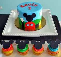 Mickey+Mouse+Clubhouse+Cake+and+Cupcakes