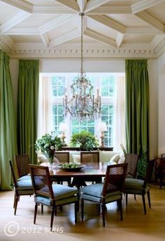 Absolutely LOVE this square dining room table that fits two on each side! You can generally only find pub height square tables that fit Love this dining room with green draperies Interior Exterior, Home Interior, Interior Decorating, Interior Design, Square Dining Room Table, Square Tables, Dining Tables, Dining Rooms, Plafond Design