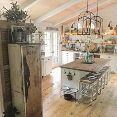 Exceptional modern kitchen room are offered on our web pages. Check it out and you wont be sorry you did. Farmhouse Kitchen Island, Kitchen Dining, Kitchen Islands, Kitchen Island On Wheels, Farmhouse Kitchens, Kitchen Cabinets, French Cottage Kitchens, Rustic Country Kitchens, Kitchen Backsplash