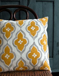 16 x 16 gray and yellow ochre ogee on white linen by giardino, $44.00