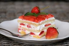 Nepečený jahodový zákusok s mascarpone, recept   Tortyodmamy.sk Cheesecake, Food And Drink, Pudding, Mascarpone, Cheese Cakes, Cheesecakes, Puddings, Avocado Pudding