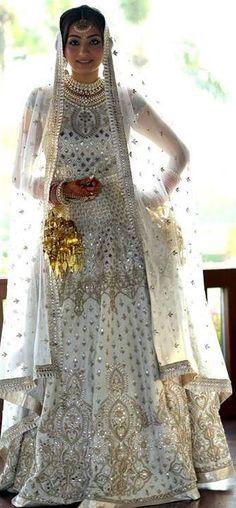 Bride Ritu Gidwani Jethani Looks Stunning in Anita Dongre