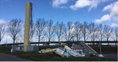 'Reclamezuil omgewaaid door harde wind' - Hoeveel schade heb jij opgelopen door de #paasstorm?