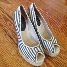"""✂️SALE! NAUTICAL BANANA REPUBLIC BLUE/WHITE WEDGE Nautical Espadrilles - Blue & white striped, peep toe, high wedge by Banana Republic. 4"""" wedge. In great condition.  Very small stain on inside of right shoe. Reposhing because they are too small for my size 8-8.5 feet. I'd say they'd fit a 7.5 best. Sole is 8"""" length. No trades. No lowball offers!!! 030116. 16 Banana Republic Shoes Espadrilles"""