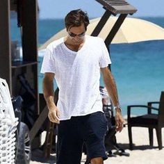"""""""Mi piace"""": 276, commenti: 3 - Roger & Maria Photos & News (@federpova) su Instagram: """"Roger Federer at the Miami Beach today! ❤ #Roger #Federer #Tennis #RF #Swiss #Suisse #peRFect…"""""""