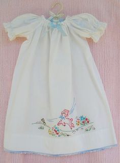 I would be that goofy mom who embroiders matching nightgowns like this.but only until the kid is old enough to hate it. Baby Clothes Patterns, Girl Dress Patterns, Sewing Patterns, Stitching Patterns, Skirt Patterns, Coat Patterns, Blouse Patterns, Little Girl Dresses, Girls Dresses