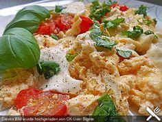 Eier - Tomaten - Mozarella - Pfanne, ein leckeres Rezept aus der Kategorie Gemüse. Bewertungen: 118. Durchschnitt: Ø 3,4.