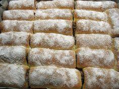 Úžasne chutné domáce mini-rolky, po ktorých sa u vás doma len tak zapráši. Romanian Food, Amazing Cakes, Nutella, Sweet Tooth, Cheesecake, Rolls, Bread, Baking, Basket