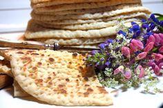 Samiskt tunnbröd - Victorias provkök Fika, Vegan Baking, Dessert Recipes, Desserts, Bread Recipes, Nom Nom, Brunch, Food And Drink, Vegetarian