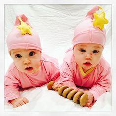 Hey sista! #starbaby #twins #hey #momoftwins #babyfashion #cozy