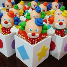 Clown Party, Circus Party, Carnival Birthday Parties, Birthday Party Themes, Birthday Treats, Princess Party, Cupcake Toppers, Kids Toys, Fondant