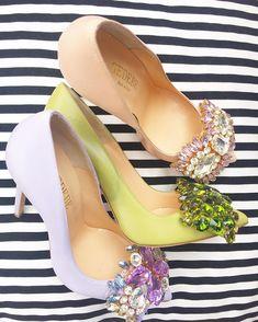 Any sweet fresh sparkling sexy pumps for tonight? Fancy Shoes, Unique Shoes, Pretty Shoes, Beautiful Shoes, Me Too Shoes, Stilettos, Pumps, Sock Shoes, Shoe Boots