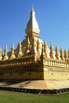 A Journey around Laos | http://borntobunk.com | #journey #travel #laos