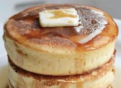 Japanese Hotcakes Are the Fluffiest Pancakes on Earth (and You Can Make Them) Pancakes Easy, Fluffy Pancakes, Fluffiest Pancakes, Non Perishable Foods, Japanese Pancake, Breakfast Recipes, Dessert Recipes, How To Cook Corn, Cooking Recipes