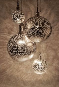 ORNAMENT IDEA ...Spray paint through lace onto clear ornament. This pic is not the result of DIY spray painting sadly.