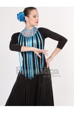 Flecos para Flamencas y Sevillanas color azul turquesa. Ideales flecos para combinar con trajes de flamenco. Más modelos y colores en www.esfantastica.com Crochet Designs, Crochet Ideas, Color Azul, Snow White, Disney Princess, Macrame, Shawl, Long Scarf, Templates