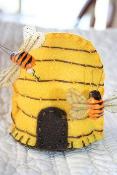 Beehive pincushion