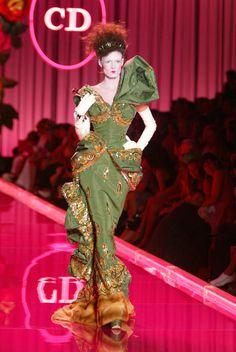 Christian Dior Fall 2004 Haute Couture