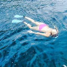 @amy_islandgirl snorkeling the clear blue waters of Cayos Cuchinos... What is on your weekend wishlist?  #islandsmiles #snorkeling #clearblue #underwater