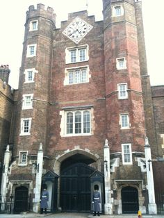 St James's Palace in City of Westminster, Greater London St James's Palace, London Landmarks, London Architecture, Famous Castles, Greater London, Duchess Of Cornwall, London Restaurants, Saint James, London Calling