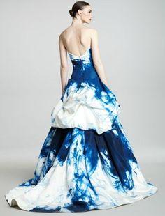 Monique Lhuillier - such a gorgeous dress!