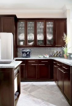 Beautiful Small Kitchen Ideas with Maple Espresso Cabinets ...