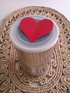 Aufbewahrung aus alter Kaffeedose / Coffee container becomes storage item / Upcycling