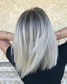 Ice Blonde Hair, Blonde Hair Looks, Brunette Hair, Blonde Balayage Mid Length, Platinum Blonde Balayage, Hair Inspo, Hair Inspiration, Silver Hair Dye, Hair Brained