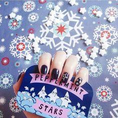 Scendono dei fiocchi di neve a forma di stella e al gusto di menta piperita. Anche da voi è arrivato il freddo? Grazie @i.g.1993 ❄ #tigeritalia#tigercandy#frozen#peppermint#mentapiperita