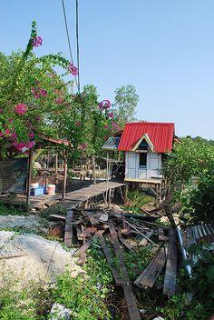 Good Banting Boat photos - http://malaysiamegatravel.com/good-banting-boat-photos/