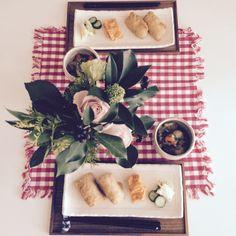 昨日、作りすぎたいなり寿司again。実家から大量に届いた里芋と厚揚げのそぼろあんかけ。週末の朝食は和食が多いな〜。