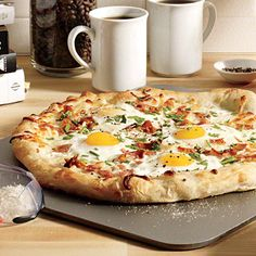 Eggs and Bacon Breakfast Pizza Recipe
