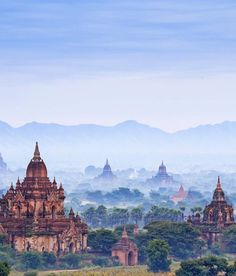 50 Bagan (formerly Pagan): Myanmar Bagan's ancient city skyline is like nothing else in the world, with ochre stupas and temples rising above the surrounding forests. Bryce Canyon, Grand Canyon, Bagan, Cool Places To Visit, Great Places, Places To Travel, Wonderful Places, Mandalay, Delta Do Okavango