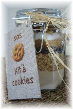 VERONIQUE ENGINGER ''Souvenirs d'enfance au point de croix'' SOS-cookies