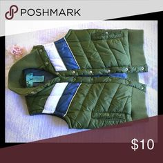 Roxy Vintage Style Puffy Vest Only worn once. In excellent condition. Super warm and really puffy. Loved this vest but never had the chance to wear it since we moved to warmer weather. Roxy Jackets & Coats Vests
