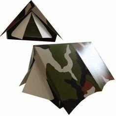 Soldaten traktatie: Deze stoere camouflage tent is leuk om te gebruiken als traktatie, maar je kunt hem zeker ook gebruiken als uitnodigingskaart voor je soldatenfeestje. In de tent past namelijk zowel lekkere snoepjes of chipjes als een briefje met de uitnodiging voor je feestje. Als je hem helemaal af wilt maken, plak je in de tent een plastic leger poppetje.