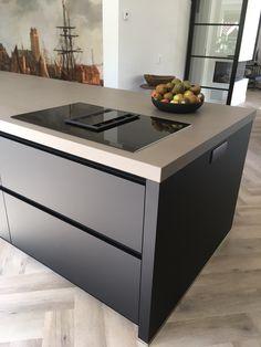 Grey Kitchen Designs, Kitchen Room Design, Home Room Design, Home Decor Kitchen, Rustic Kitchen, Interior Design Kitchen, Home Kitchens, Kitchen Cabinet Design, Latest Kitchen Trends