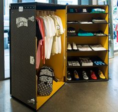 Goyard Trunk For Billionaire Boys Club At Colette.need to have this for my bedroom! Pop Up Stores, Goyard Trunk, Goyard Luggage, Mobile Kiosk, Stand Feria, Mini Store, Vintage Trunks, Mobile Boutique, Steamer Trunk