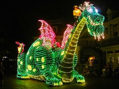 Main Street Electrical Parade (Jeff Birou for Mouse on the Mind)