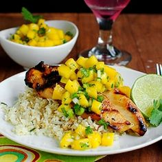 Key West Grilled Chicken with low-carb Cilantro-Lime Cauliflower Rice is anything but ordinary. Perfect for the 4th!
