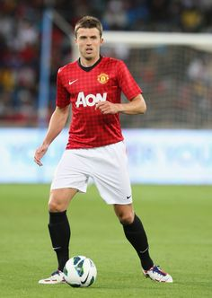 Michael Carrick   Soccer Stars Travel  multicityworldtravel.com cover  world over Hotel and Flight deals.guarantee the best price Michael Carrick, Flight Deals, Soccer Stars, Manchester United, Socks, The Unit, Cover, Red, Travel
