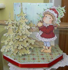 Liz's creative corner: Christmas tree's here!