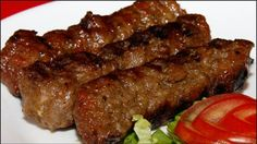 Asta e cea mai veche rețetă de mici pe care poporul român o are Meat Recipes, Cooking Recipes, Healthy Recipes, Mexican Food Recipes, Good Food, Yummy Food, Romanian Food, Romanian Recipes, Kitchen Recipes