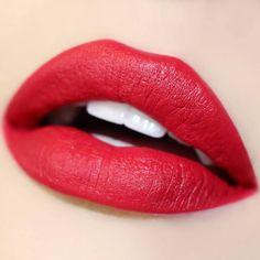London Fog red Ultra Satin Lip swatch