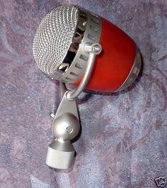 """ELECTRO VOICE"" Microphone Cardinal / Raven Silver"