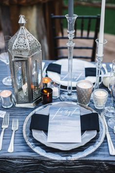 Halloween wedding inspiration, photo by Analisa Joy http://ruffledblog.com/til-death-do-us-part-styled-wedding #halloween #tablescapes #receptions