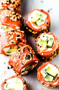 Tzatziki Avocado Salmon Rolls are the perfect party appetizer. Theyre totally delicious easy to make super pretty and healthy. Bonus they can be made ahead of time Fish Recipes, Seafood Recipes, Keto Recipes, Healthy Recipes, Avocado Recipes, Sandwich Recipes, Delicious Recipes, Tzatziki, Appetizers For Party