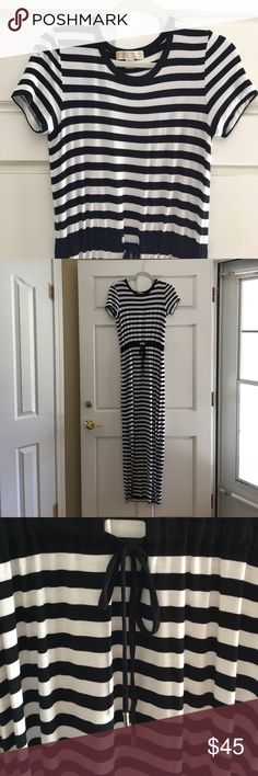 Michael Michael Kors Black and White Maxi Dress XS Michael Michael Kors Black and White Striped Maxi Dress XS dress with draw string waist is in excellent condition. Side slits reach to the knee area and bottom hem has never touched the ground. MICHAEL Michael Kors Dresses Maxi