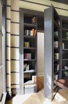 Beautiful Secret Room Design Ideas with Hidden Door Hidden Bookshelf Door, Bookcase Door, Bookshelf Design, Large Bookcase, Door Design, Layout Design, House Design, Decorating Your Home, Diy Home Decor